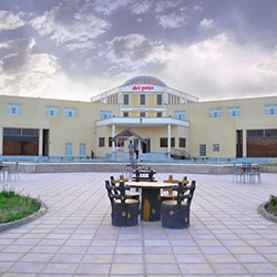 Yazd Zanbagh Hotel