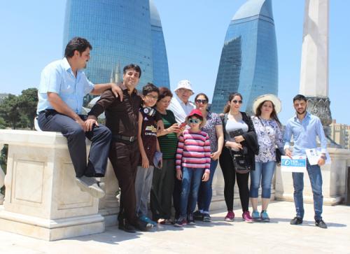 azerbaijan-acerbaycan-baku-flametowers-farimontbaku-hotel-yolcular-rehber