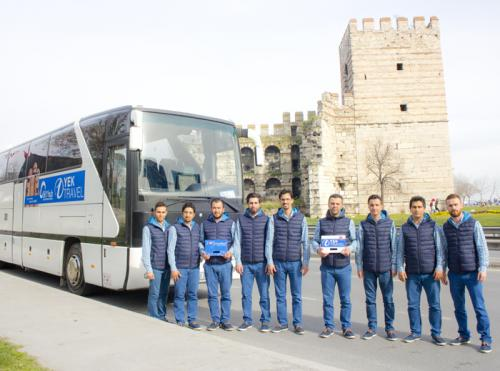 turkey-istanbul-guide-team-leaders-bus