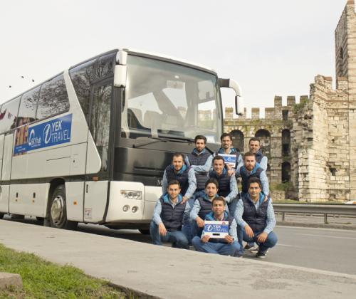 yek-guide-leader-team-bus-istanbul-turkey